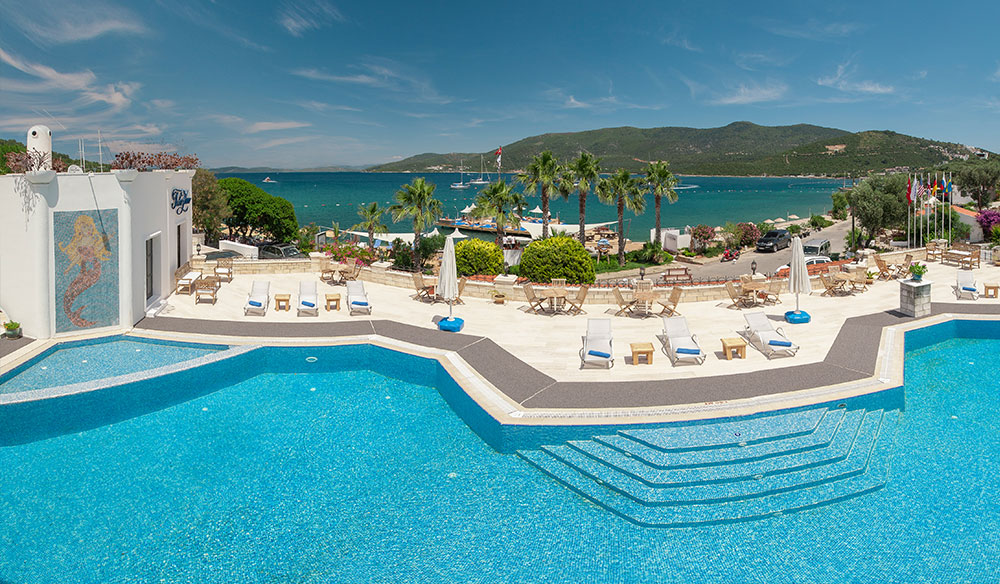 Bodrum Pool with sea view
